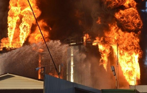 На нефтебазе под Киевом произошел мощный взрыв, погибли пожарные, по тревоге поднята Нацгвардия, - Аваков - Цензор.НЕТ 2391