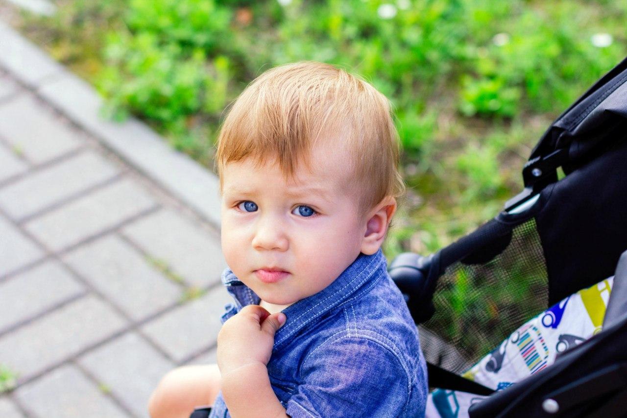 Мальчик получает большим дилдо в попку 3 фотография
