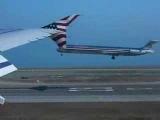 Одновременная посадка двух самолетов /  Simultaneous airplanes landing