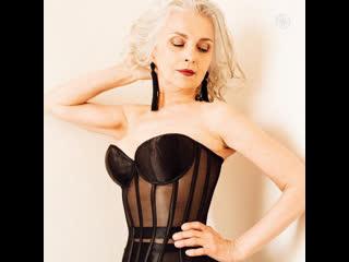 62-летняя модель снялась в рекламе нижнего белья