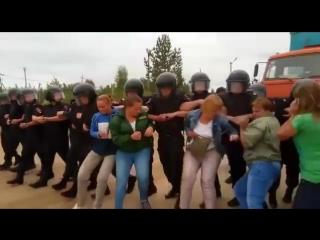 Разгон протестующих в Щелканове