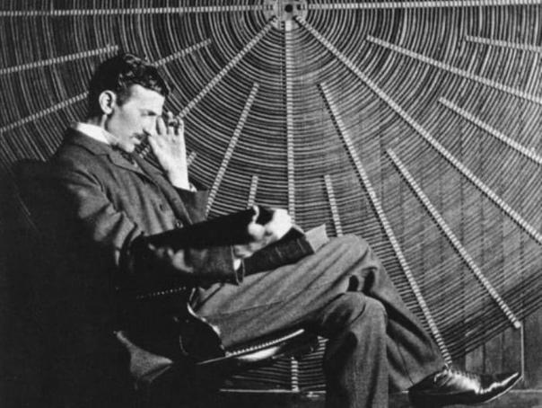 «Сумасшедший серб»: 17 странностей великого ученого Николы Теслы 10 июля 1856 года, 162 года назад, родился легендарный американский изобретатель сербского происхождения Никола Тесла. Это,