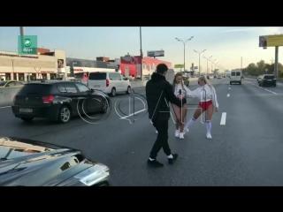Певица YAXANA устроила пробку на МКАД во время съемок нового клипа