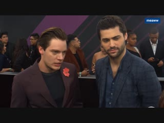 Dominic Sherwood and Matthew Daddario tease MALEC future and lie about Clarys fate