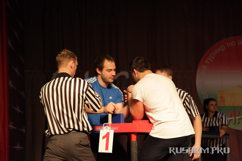 Ivan Matyushenko - Anas 2013 - Armwrestling tournament in Chistopol