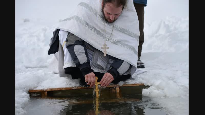 Более 12 тысяч курян окунулись в крещенские проруби