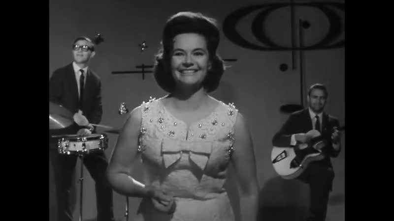 Нина Дорда Ходит песенка по кругу 1967 г