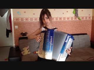 Angélique Neuville (Анжелика Невиль, 13 лет, Франция) ) Accordeon musette