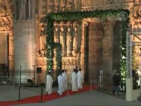 Собору Парижской Богоматери 850