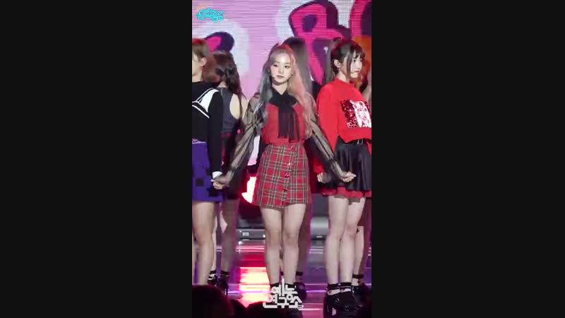 [예능연구소 직캠] 프로미스나인 LOVE BOMB 이나경 Focused @쇼!음악중심_20181020 LOVE BOMB fromis_9 LEE NA GYUNG