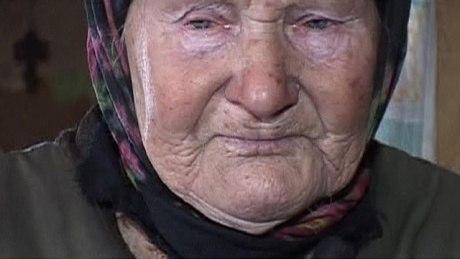 Нет достойной старости у стариков...
