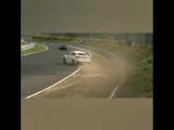 Кто там сказал, что BMW дорогу держит?
