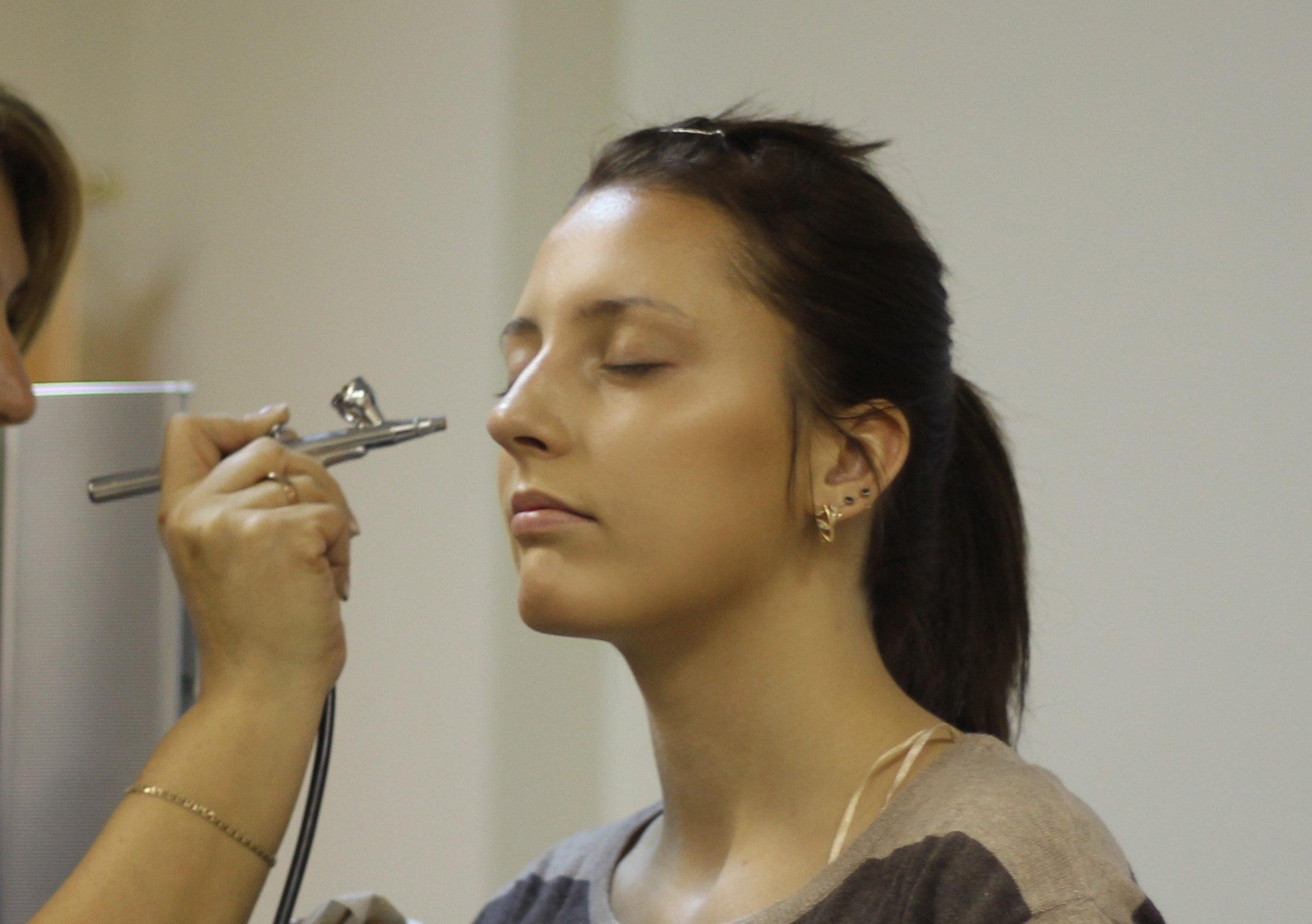Аэрографами для макияжа