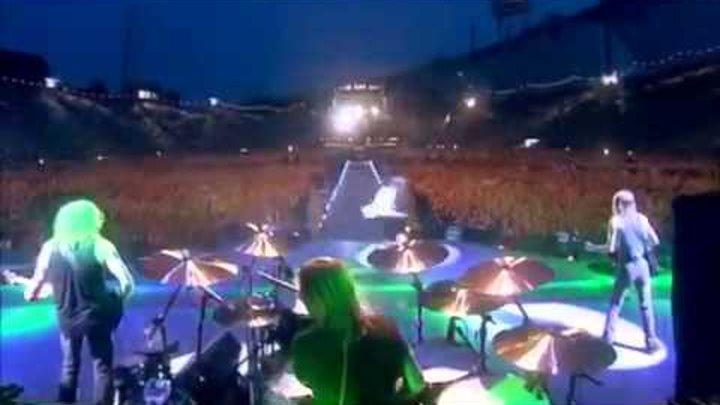 ACDC Live @ Munich STIFF UPPER LIP 2001 Concert