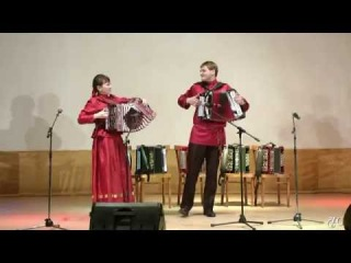 Играют гармонисты Татьяна и Антон Жуковы