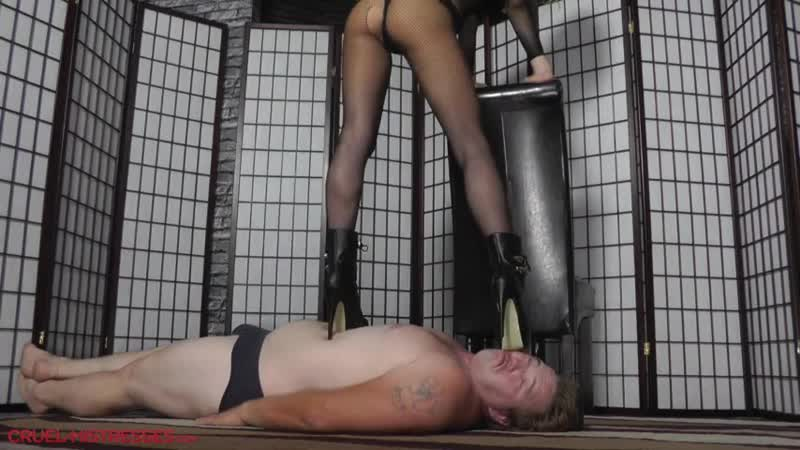 Mistress Hard Trample [strapon, domina, femdom, mistress, goddess]