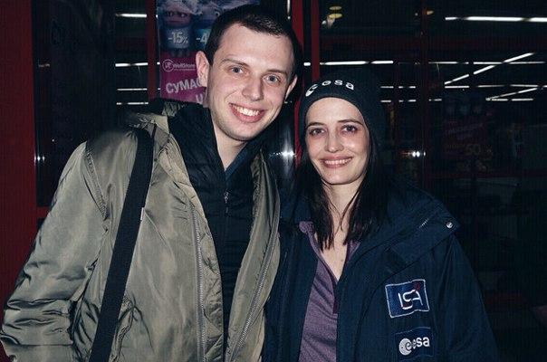 Посетители супермаркета в Подмосковье неожиданно встретили Еву Грин