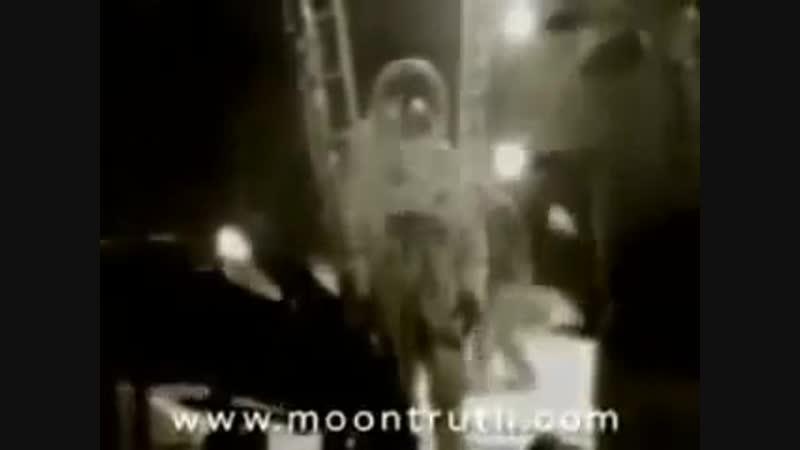 Stanley Kubrick Filmed Fake Moon Footage !! Proof