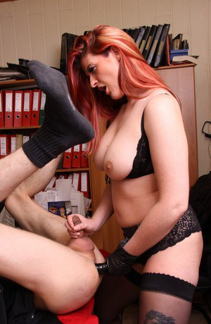 Girl video tapes herself fingering