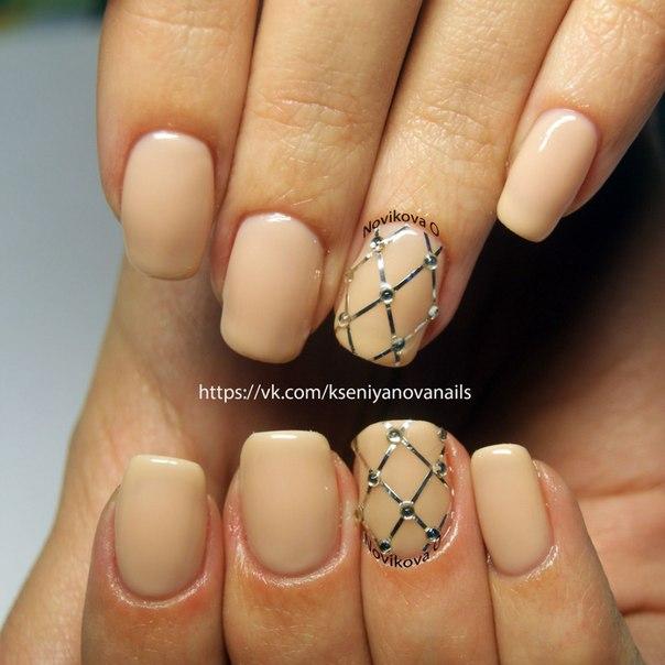 Шикарный дизайн свадебных нарощенных ногтей фото