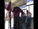 Во Владивостоке пенсионерка вступила в борьбу с подростком за место в автобусе
