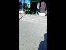 Уборщица и автоматические двери магазина