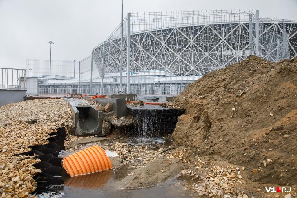 В России дождь частично разрушил стадион ЧМ-2018 за 16 млрд