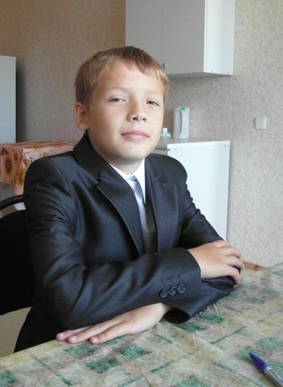 Владислав Овчинников, 11 апреля 1999, Чулым, id176015101