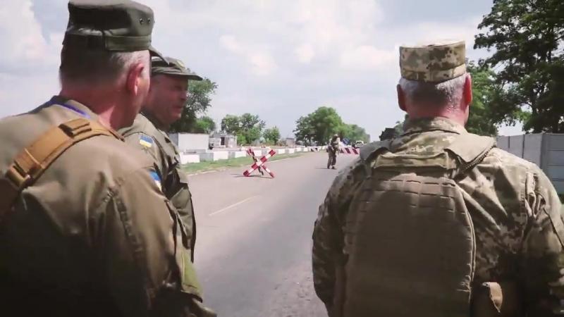 Командувач об'єднаних сил перевірив умови служби нацгвардійців і поліцейських на блокпостах