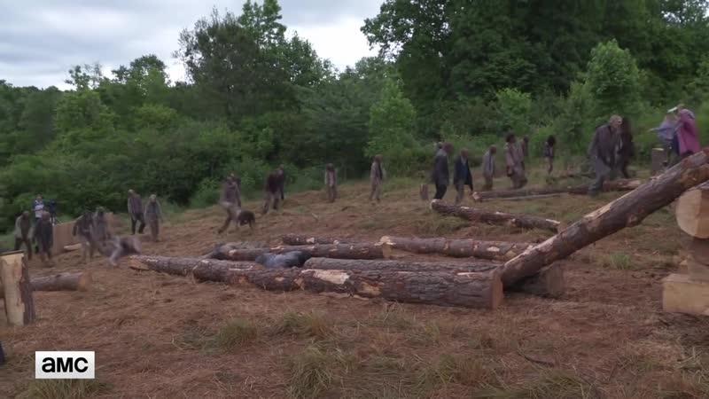 The Walking Dead S09E02 Featurette - Aarons Logroll Scene