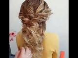 Греческая коса - отличный вариант прически для выпускниц