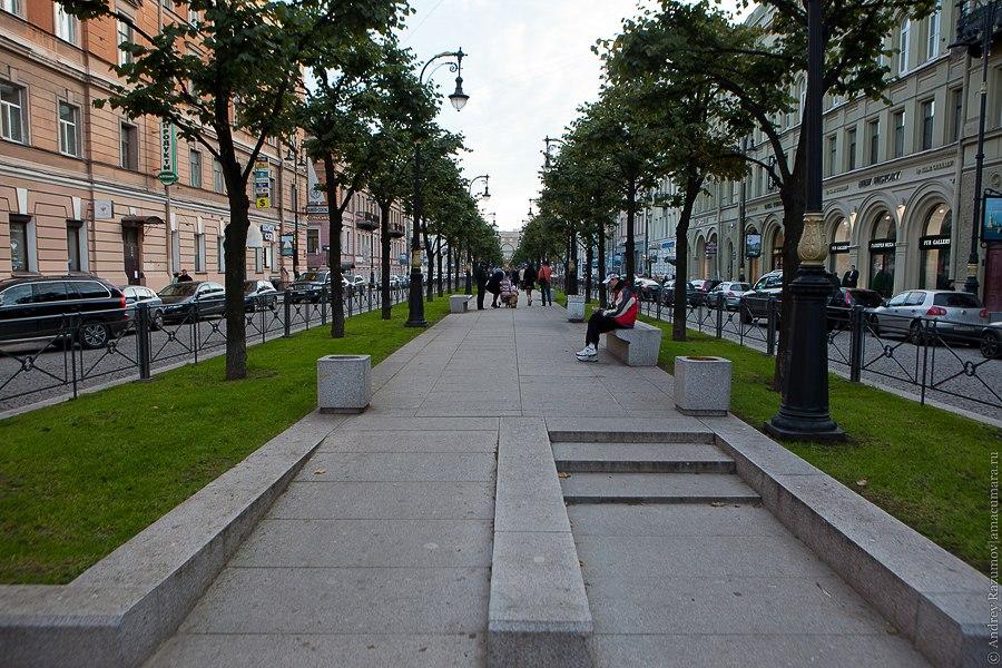 <Большая Конюшенная улица