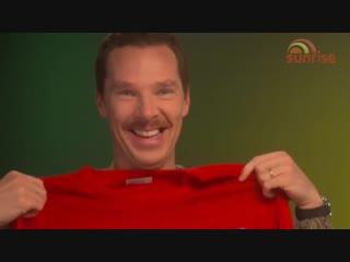 The brilliant noise BenedictCumberbatch makes when you bring him festive joy...