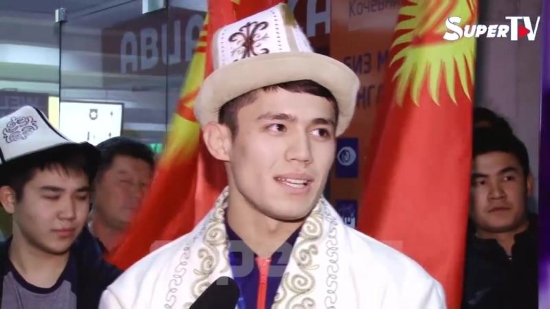 Дүйнө чемпиондугунда медаль тагынган балбандар Словакиядан кайтып келишти