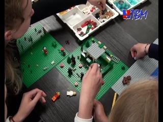 Юные изобретатели Мончегорска с пользой проводят летние каникулы в лаборатории научно-технического творчества «ФабЛаб».