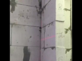 Лазерный нивелир Bosh (Бош) на стройке.