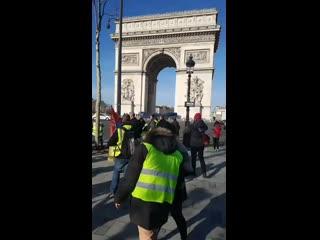 Manifestation Gille Jeune Champs-Élysées 16 02 2019.mp4