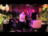 Два пьяных парня в ТАЙЛАНДЕ поют песню ЛЕПСА