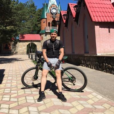 Максим Борисов