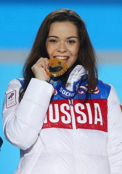 Аделина Сотникова (пресса с апреля 2015) KkgnPJ2ZyCI