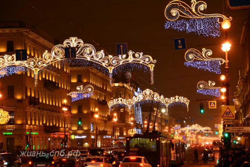Невский проспект в январе 2017 года - праздничное украшение города