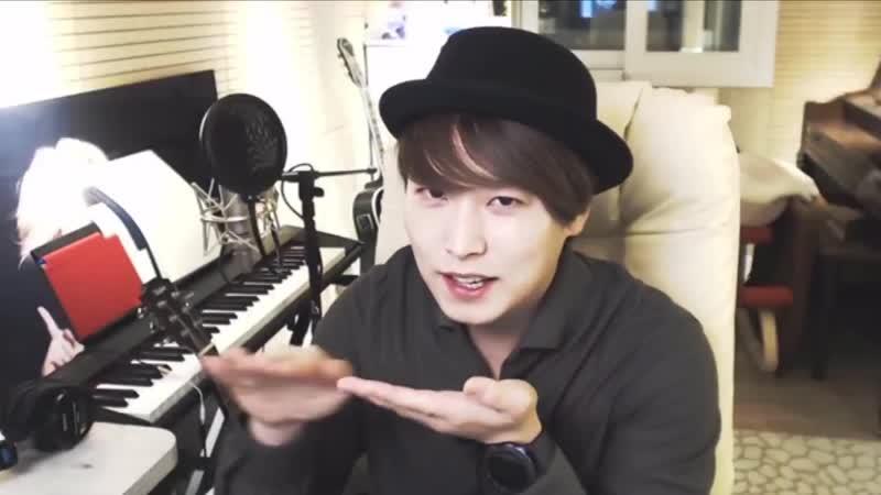 Sungmin doing the Ninja Tiktok during his YT Live 181117