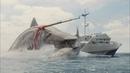 Мегалодон нападает и переворачивает корабль Мег Монстр глубины 2018