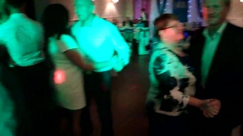 танец гостей