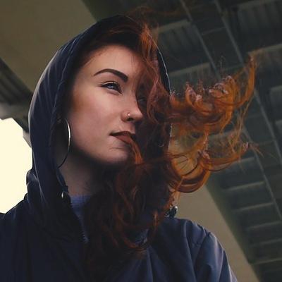 Элина Музафарова