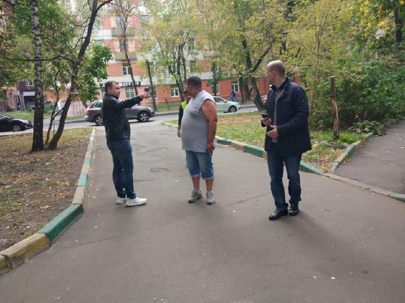 Глава управы Савеловского проинспектировал дворы на улице 8 Марта