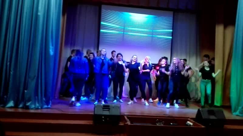 Ю22 массовый танец Посвящение в учащиеся 2018