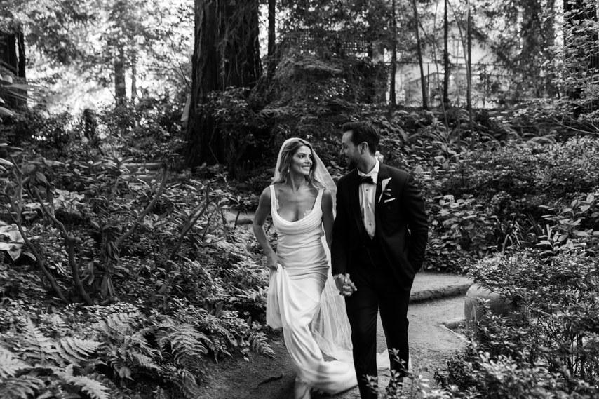 SMcwtLOz2xU - Как вы представляете себе свою свадьбу? И нужен ли вам свадебный ведущий?