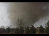 Торнадо разносит дом очевидцев - Видео из RWJ