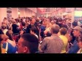 31 мая В крымских магазинах огромные очереди - с полок сметают все подряд.